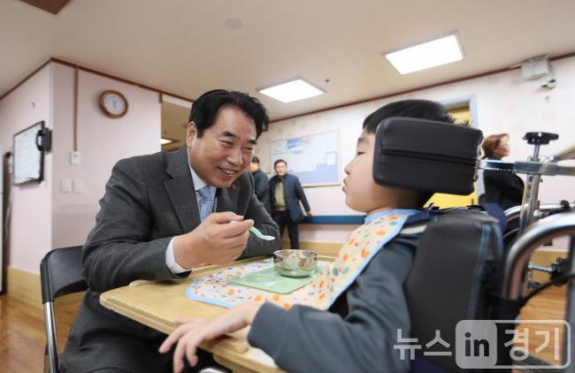 31일 요한의집 장애인 종사자 격려 (2).JPG