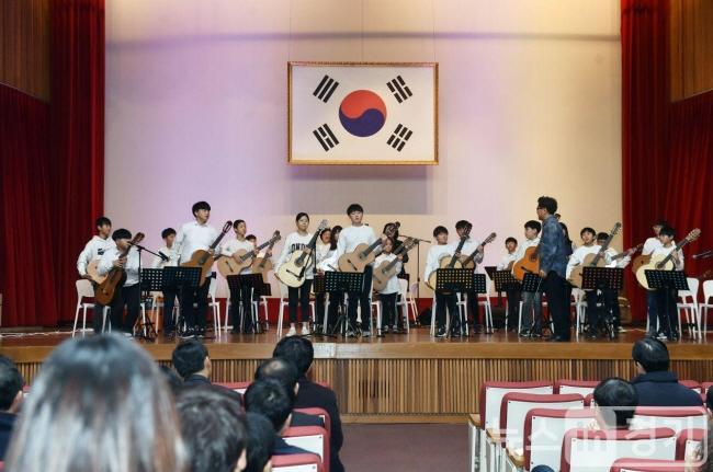 0102 경기도교육청, 2020년 새해 첫 직원 모임 가져(사진8).jpg
